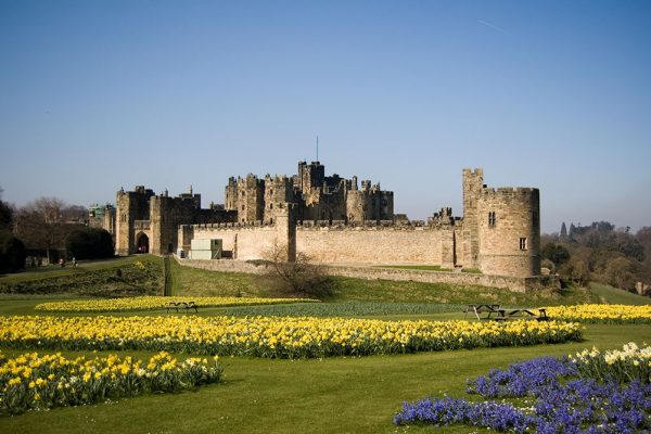 Alnwick_Castle_02-1